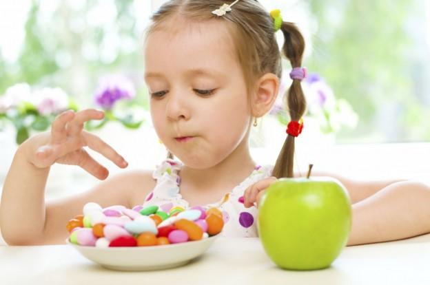 ¿Que alimentos generan caries en los ninos?