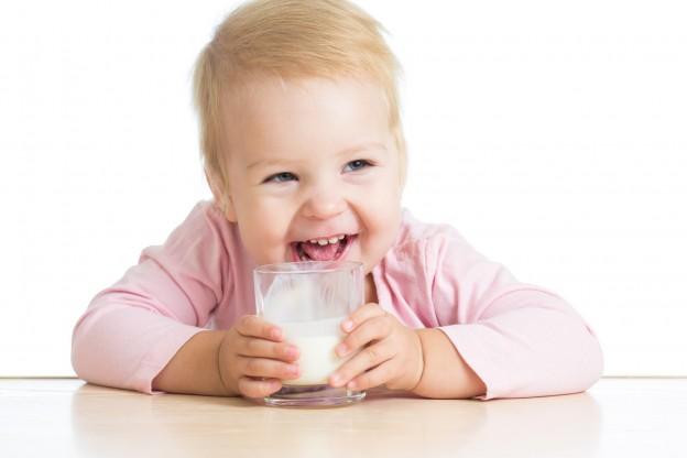 ¿Cuándo suministrar leche de crecimiento a los ninos?