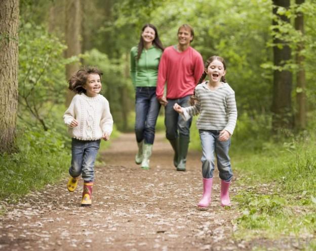 ¿Qué beneficios aporta a los ninos caminar?