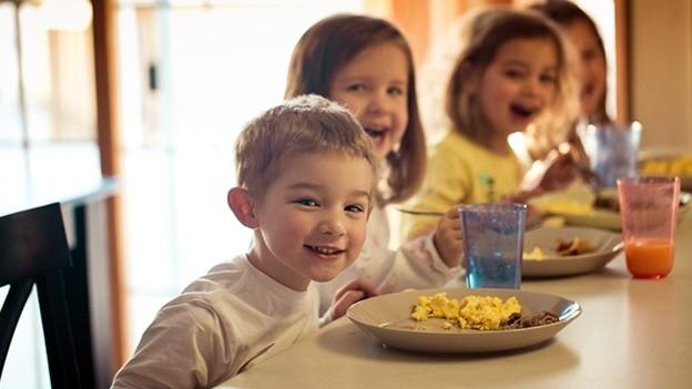 derecho de alimentacion en ninos